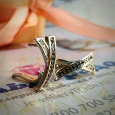 "Серьги ""Х""из белого золота с бриллиантами"