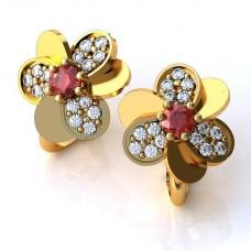 Серьги из желтого золота с рубином и бриллиантами..